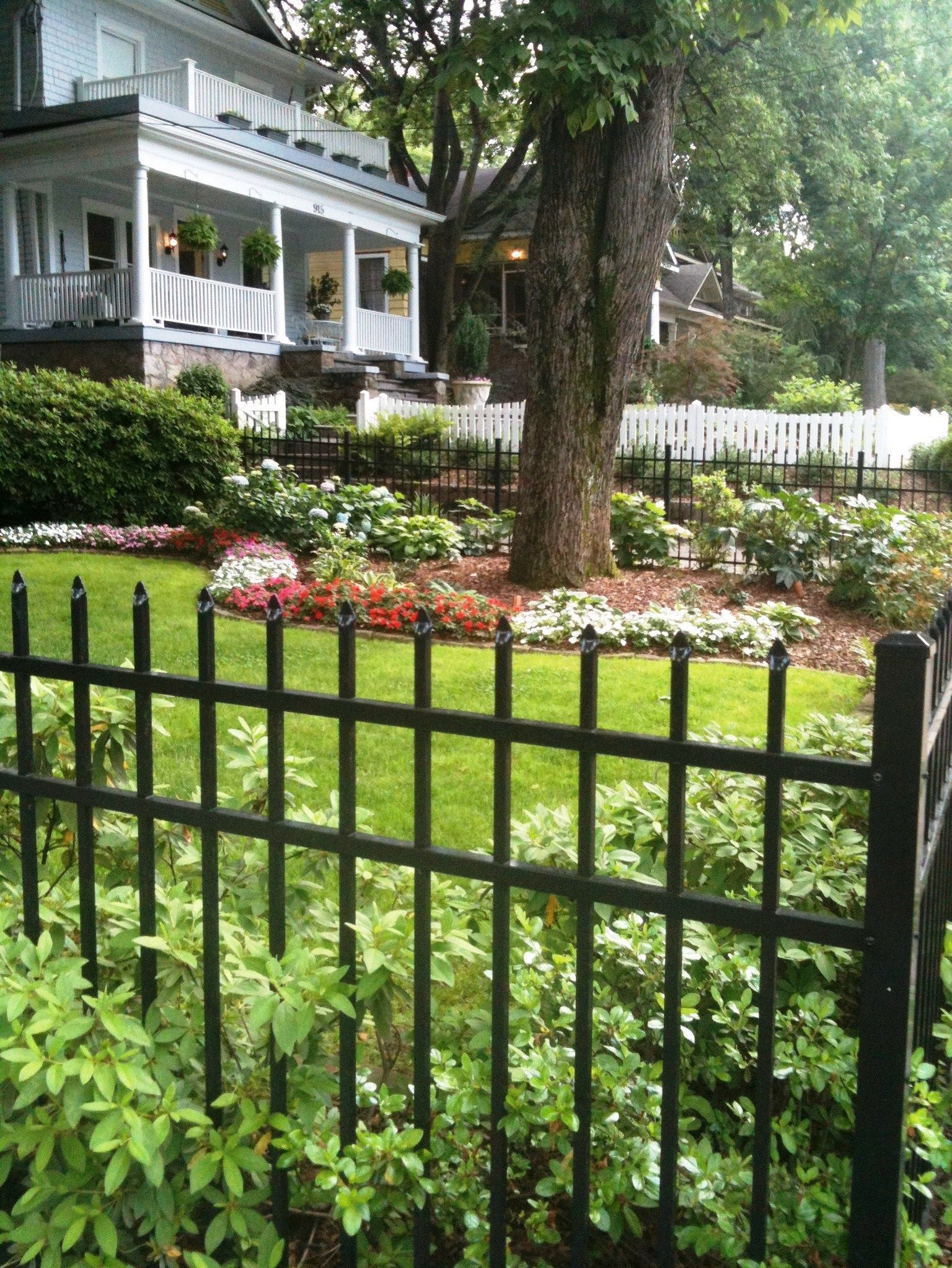 Shannon Holmes RealtySouth image of home with great curb appeal